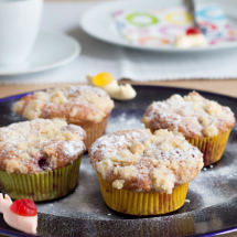 Himbeer-Muffins mit Streuseln